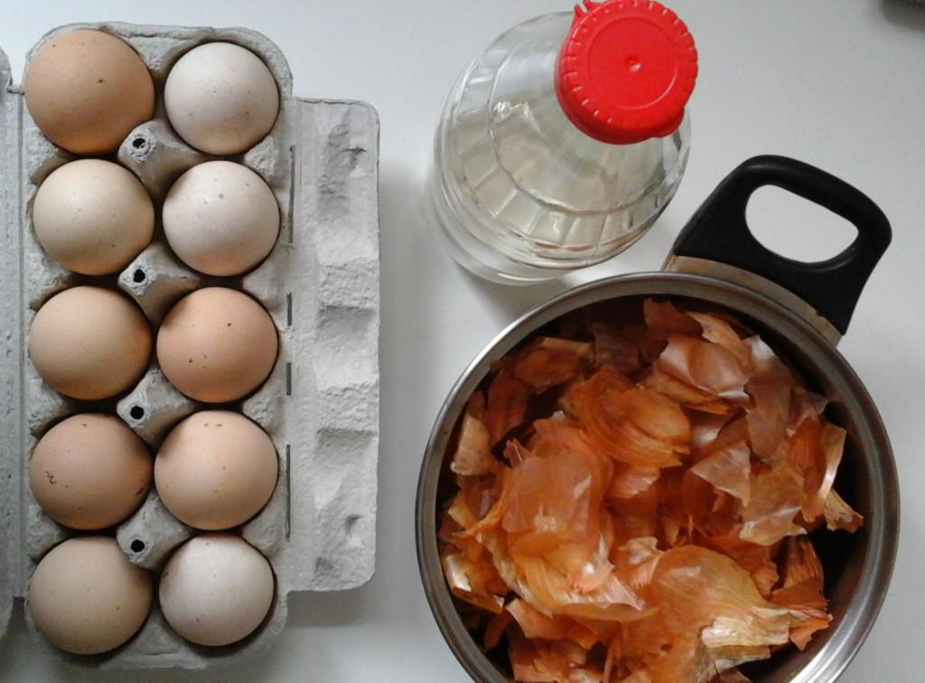 Składniki naturalnego barwnika do jajek