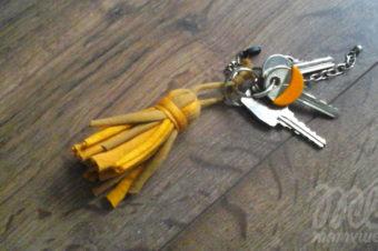 Jak zrobić brelok do kluczy? Łatwy tutorial na eko dekorację – chwost, frędzel