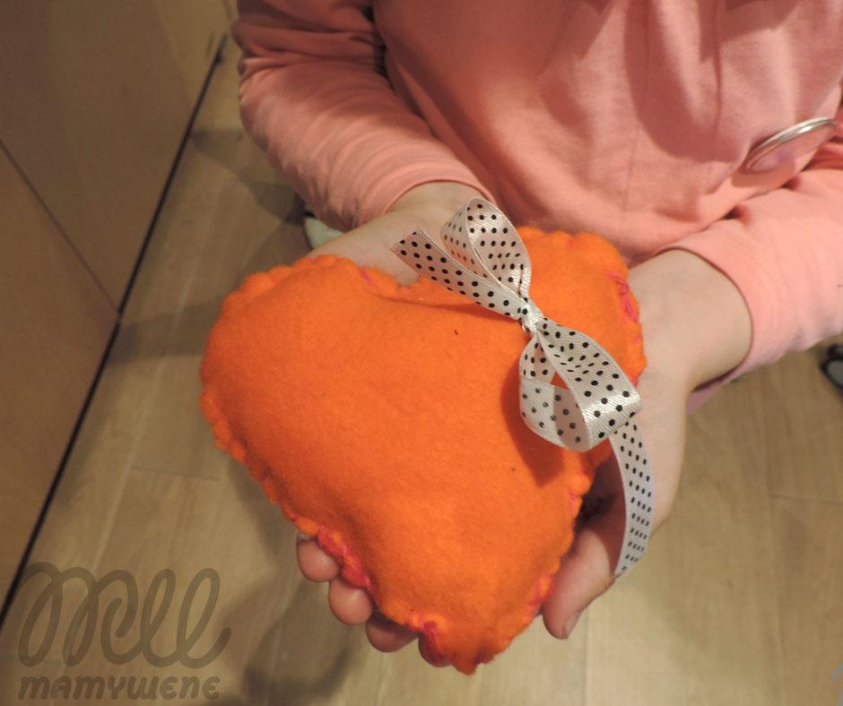 serduszko ręcznie szyte przez dziecko