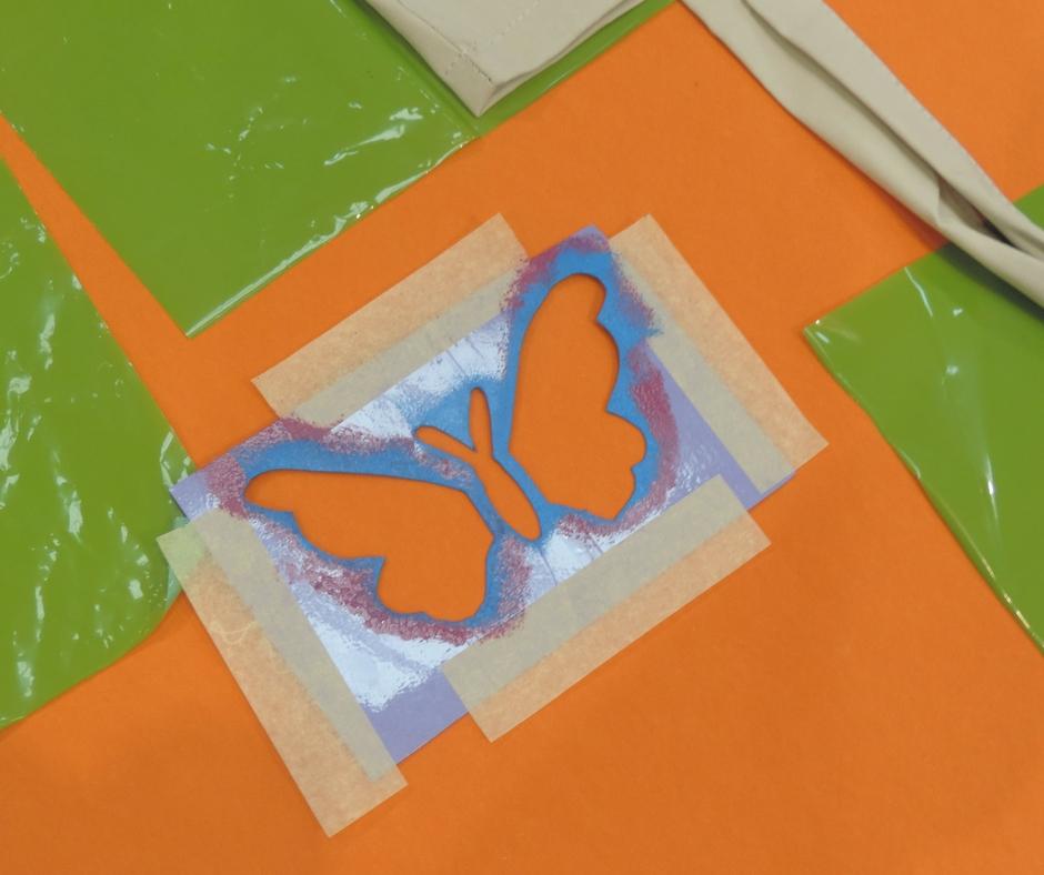 szablon motylek na warsztatach MAMYWENE